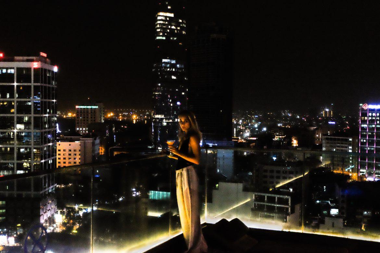 Vietnam: Rooftop bar Above.