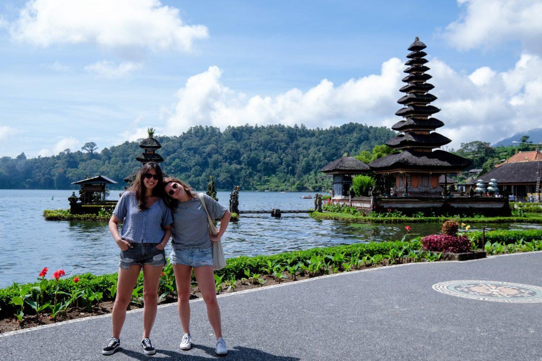 Bali: S. en N. bij de Ulun Danu Bratan Temple