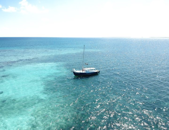 Travel Guide: an overnight sailing trip in Belize with Raggamuffin