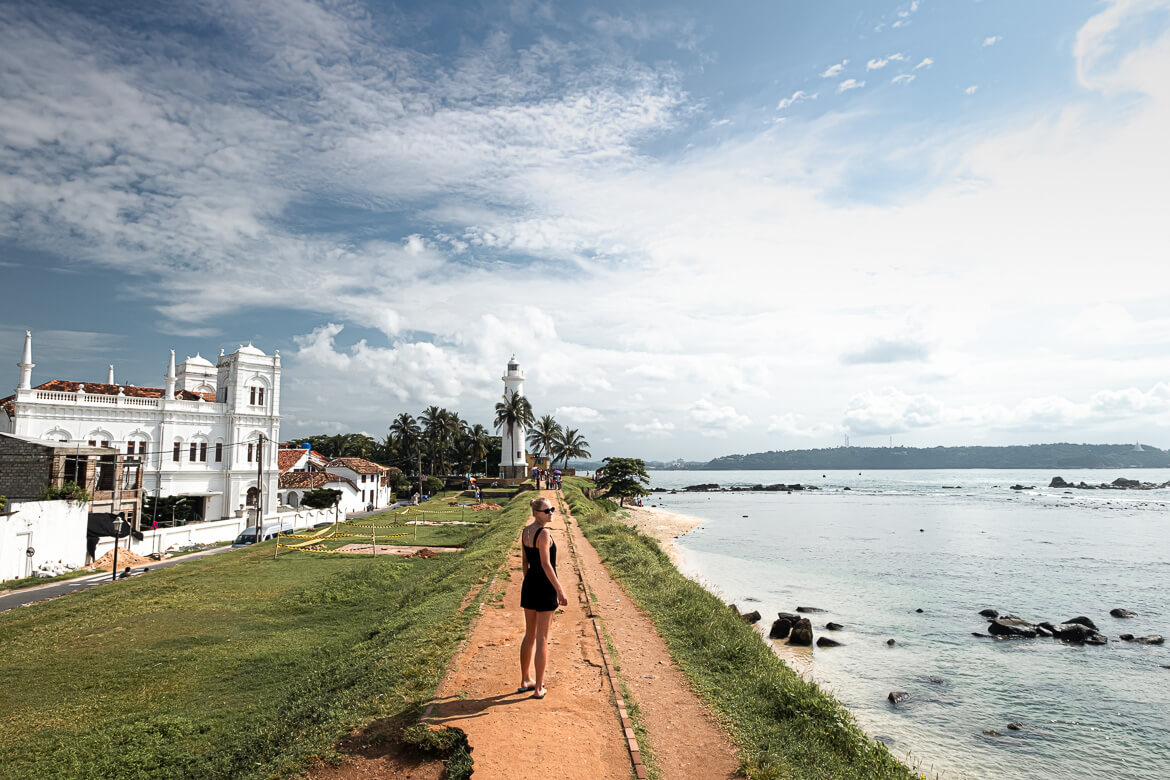 Road to Galle Lighthouse with Charlotte